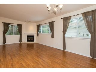 """Photo 3: 48 1400 164 Street in Surrey: King George Corridor House for sale in """"Gateway Gardens"""" (South Surrey White Rock)  : MLS®# R2101473"""