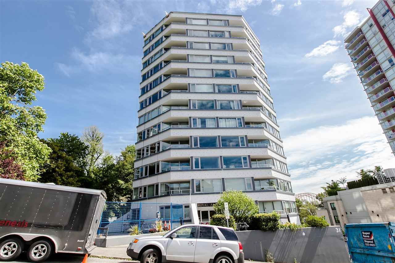 """Main Photo: 1101 31 ELLIOT Street in New Westminster: Downtown NW Condo for sale in """"ROYAL ALBERT TOWERS"""" : MLS®# R2068328"""