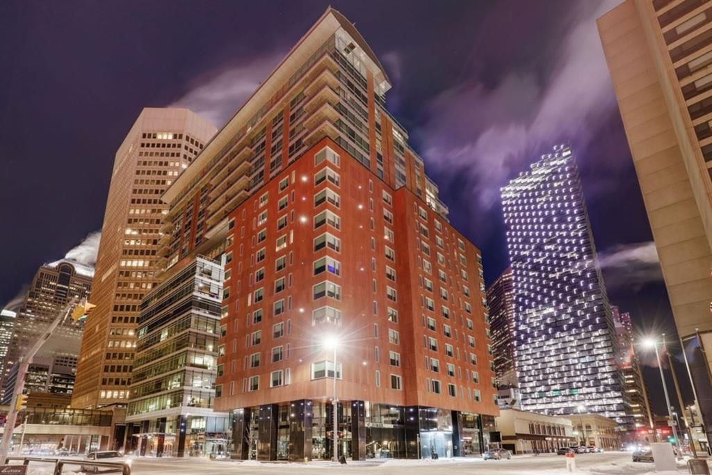 Main Photo: 1905 108 9 Avenue SW in Calgary: Downtown Commercial Core Apartment for sale : MLS®# A1067535