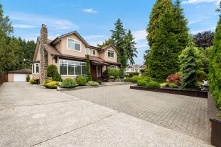 Photo 2: 812 ROBINSON Street in Coquitlam: Coquitlam West House for sale : MLS®# R2603467