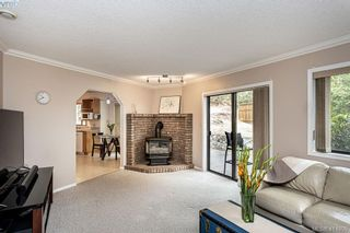 Photo 11: 1204 Politano Pl in VICTORIA: SW Strawberry Vale House for sale (Saanich West)  : MLS®# 822963