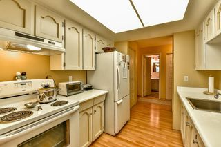 """Photo 3: 206 1554 GEORGE Street: White Rock Condo for sale in """"The Georgian"""" (South Surrey White Rock)  : MLS®# R2052627"""