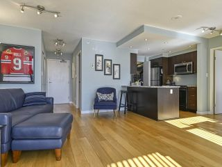 "Photo 8: 2005 1008 CAMBIE Street in Vancouver: Yaletown Condo for sale in ""WATERWORKS"" (Vancouver West)  : MLS®# R2457760"