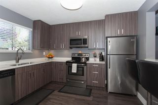 "Photo 4: 91 10842 152 Street in Surrey: Bolivar Heights Townhouse for sale in ""Woodbridge"" (North Surrey)  : MLS®# R2282096"