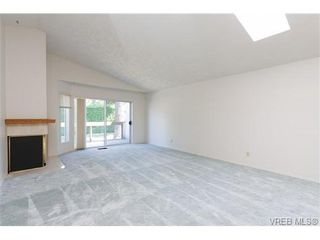 Photo 5: 56 901 Kentwood Lane in VICTORIA: SE Broadmead Row/Townhouse for sale (Saanich East)  : MLS®# 658953