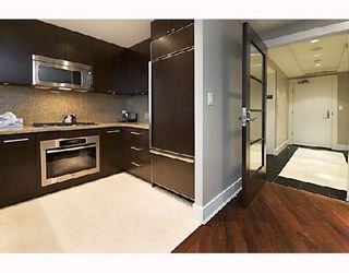"""Photo 5: 503 628 KINGHORNE MEWS BB in Vancouver: False Creek North Condo for sale in """"SILVER SEA"""" (Vancouver West)  : MLS®# V683660"""