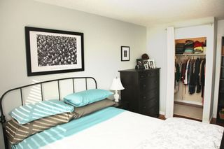 """Photo 5: 212 131 W 4TH Street in North Vancouver: Lower Lonsdale Condo for sale in """"Nottingham Place"""" : MLS®# R2239655"""