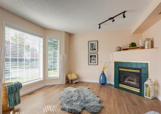 Photo 3: 26 River Rock Way SE in Calgary: Riverbend Detached for sale : MLS®# A1147690