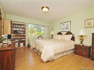 Photo 11: 305 1157 Fairfield Rd in VICTORIA: Vi Fairfield West Condo for sale (Victoria)  : MLS®# 684226