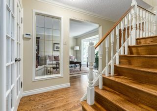 Photo 3: 639 Willingdon Boulevard SE in Calgary: Willow Park Detached for sale : MLS®# A1131934