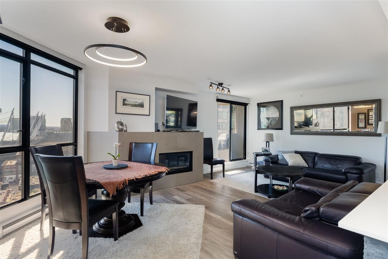 """Photo 5: Photos: 2101 867 HAMILTON Street in Vancouver: Downtown VW Condo for sale in """"Jardine's Lookout"""" (Vancouver West)  : MLS®# R2569511"""