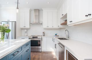 """Photo 8: 411 2628 YEW Street in Vancouver: Kitsilano Condo for sale in """"Connaught Place"""" (Vancouver West)  : MLS®# R2377344"""
