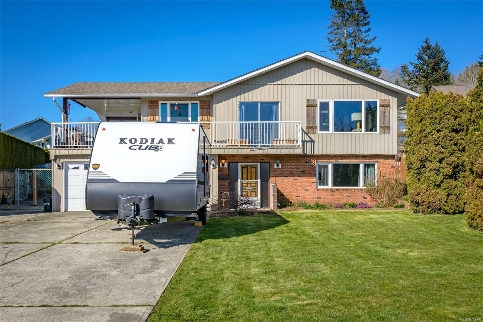 Main Photo: 335 Panorama Cres in : CV Courtenay East House for sale (Comox Valley)  : MLS®# 872608