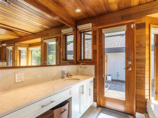 Photo 30: 1032/1034 Lands End Rd in North Saanich: NS Lands End House for sale : MLS®# 883150