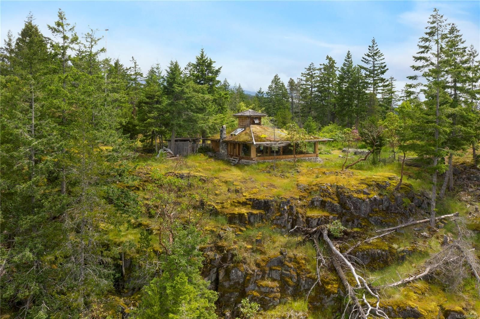Photo 15: Photos: 979 Thunder Rd in : Isl Cortes Island House for sale (Islands)  : MLS®# 878691