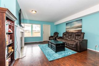 Photo 4: 41 7715 LUCKAKUCK PLACE in Chilliwack: Sardis West Vedder Rd Townhouse for sale (Sardis)  : MLS®# R2450324