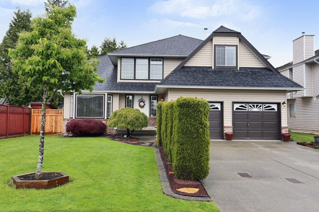 Main Photo: 18843 61A Avenue in Surrey: Cloverdale BC House for sale (Cloverdale)  : MLS®# F1439578