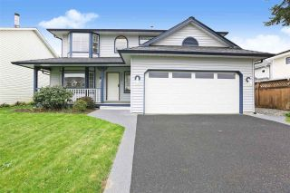 Main Photo: 20366 89A Avenue in Langley: Walnut Grove House for sale : MLS®# R2571742