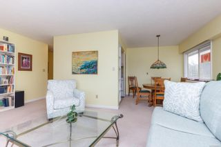 Photo 7: 410 909 Pendergast St in : Vi Fairfield West Condo for sale (Victoria)  : MLS®# 866984