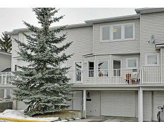 Photo 1: 262 REGAL Park NE in Calgary: Renfrew_Regal Terrace Townhouse for sale : MLS®# C3650275