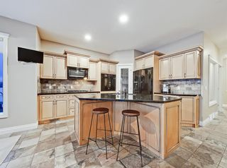 Photo 3: 30 Springborough Crescent SW in Calgary: Springbank Hill Detached for sale : MLS®# A1070980
