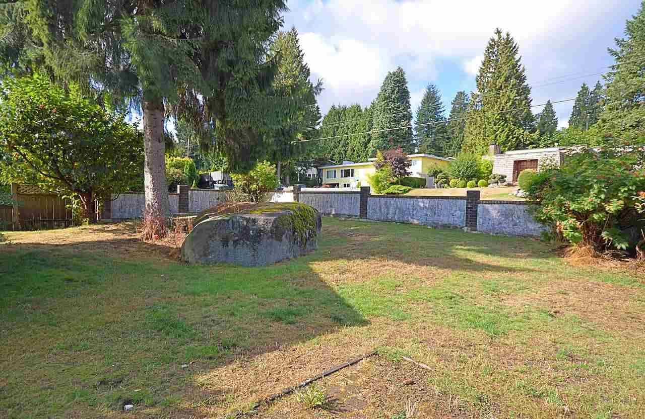 """Photo 2: Photos: 3033 STARLIGHT Way in Coquitlam: Ranch Park House for sale in """"RANCH PARK"""" : MLS®# R2208211"""