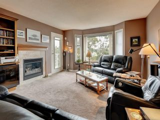 Photo 3: 6 1356 Slater St in : Vi Mayfair Row/Townhouse for sale (Victoria)  : MLS®# 884232