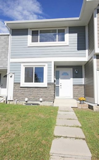 Photo 1: 341 Georgian Villas NE in Calgary: Marlborough Park Row/Townhouse for sale : MLS®# A1117524