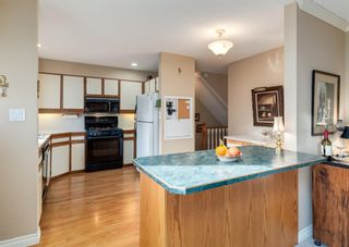 Photo 12: 5 714 Willow Park Drive SE in Calgary: Willow Park Row/Townhouse for sale : MLS®# A1084820