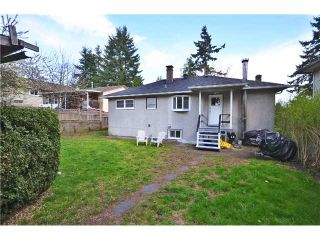 Photo 10: 8049 GILLEY Avenue in Burnaby: South Slope House for sale (Burnaby South)  : MLS®# V1001830