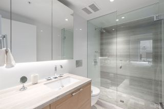"""Photo 8: 512 7128 ADERA Street in Vancouver: South Granville Condo for sale in """"SHANNON WALL CENTRE"""" (Vancouver West)  : MLS®# R2372265"""
