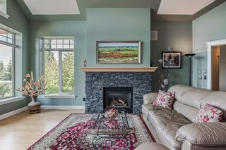 Photo 9: 40 Slopes Grove SW in Calgary: Springbank Hill Detached for sale : MLS®# A1069475