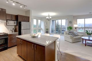 Photo 2: 105 3076 DAYANEE SPRINGS Boulevard in Coquitlam: Westwood Plateau Townhouse for sale : MLS®# R2119621