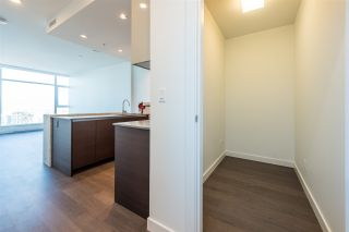 """Photo 10: 3307 4670 ASSEMBLY Way in Burnaby: Metrotown Condo for sale in """"Station Square"""" (Burnaby South)  : MLS®# R2426014"""