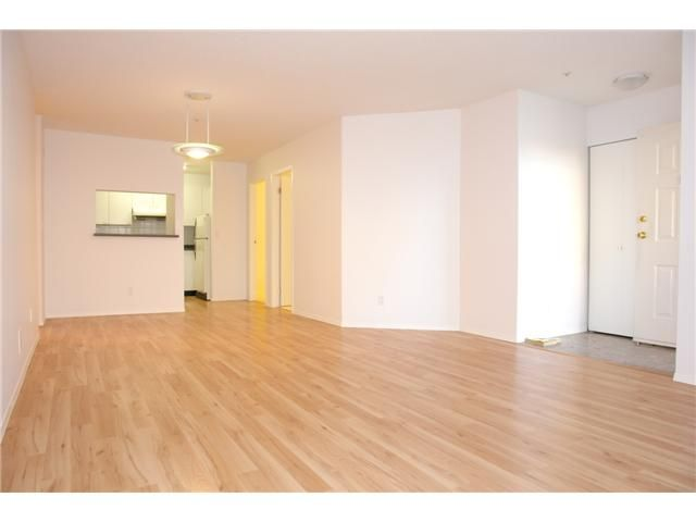 """Photo 3: Photos: # 284 8333 JONES RD in Richmond: Brighouse South Townhouse for sale in """"CAMELIA GARDENS"""" : MLS®# V985608"""