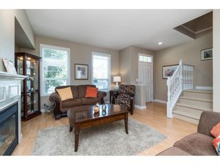 """Photo 4: 7033 179A Street in Surrey: Cloverdale BC Condo for sale in """"Provinceton"""" (Cloverdale)  : MLS®# R2392761"""