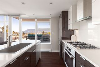 Photo 3: 529 1777 W 7TH AVENUE in Vancouver: Fairview VW Condo for sale (Vancouver West)  : MLS®# R2402352