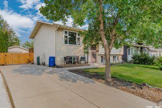 Photo 2: 247 Davies Road in Saskatoon: Silverwood Heights Residential for sale : MLS®# SK866077