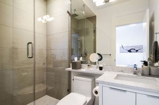 Photo 21:  in White Rock: House for sale (South Surrey White Rock)  : MLS®# R2432038