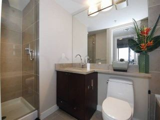 """Photo 8: 3006 2978 GLEN Drive in Coquitlam: North Coquitlam Condo for sale in """"GRAND CENTRAL ONE"""" : MLS®# R2139027"""