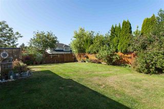 """Photo 18: 6059 187 Street in Surrey: Cloverdale BC House for sale in """"Eaglecrest"""" (Cloverdale)  : MLS®# R2399815"""