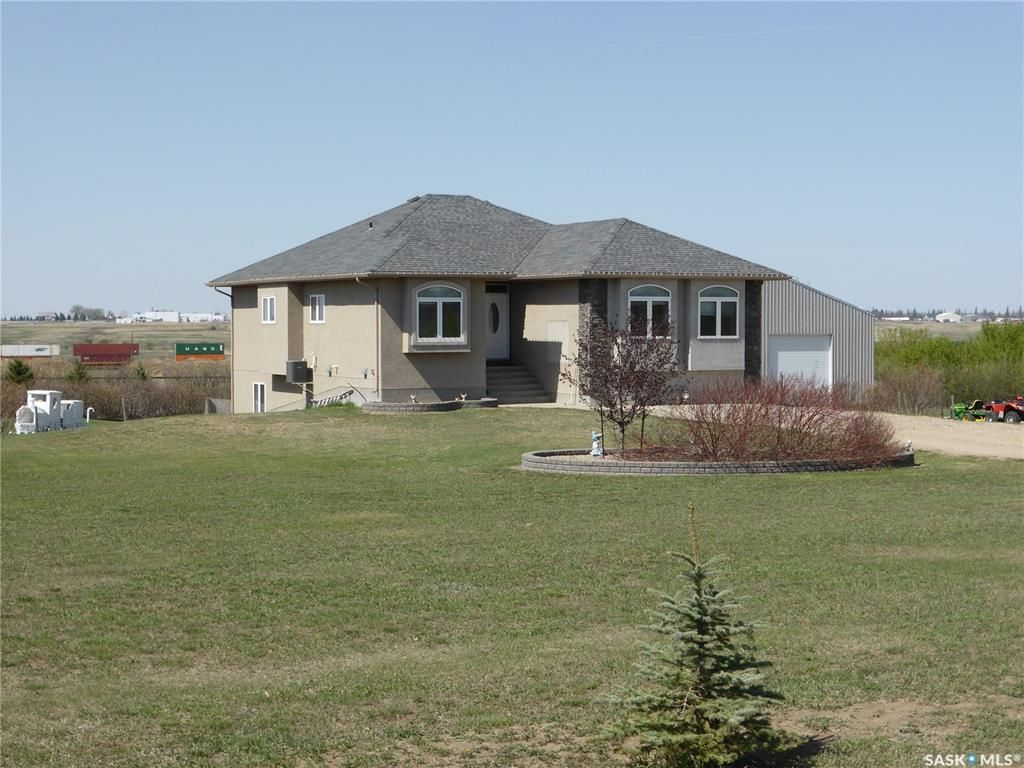 Main Photo: 42 Mustang Trail in Moose Jaw: In City Limits Residential for sale : MLS®# SK851567
