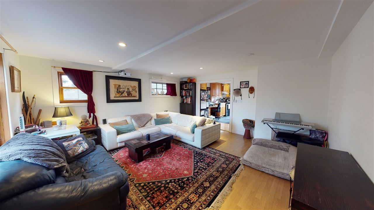 Photo 4: Photos: 1370 E 18TH Avenue in Vancouver: Knight House for sale (Vancouver East)  : MLS®# R2529375