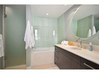 """Photo 8: # 704 1455 HOWE ST in Vancouver: Yaletown Condo for sale in """"POMARIA"""" (Vancouver West)  : MLS®# V1010474"""