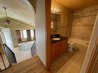 Photo 11: 111 Ridgebrook Drive SW: Airdrie Detached for sale : MLS®# A1102417
