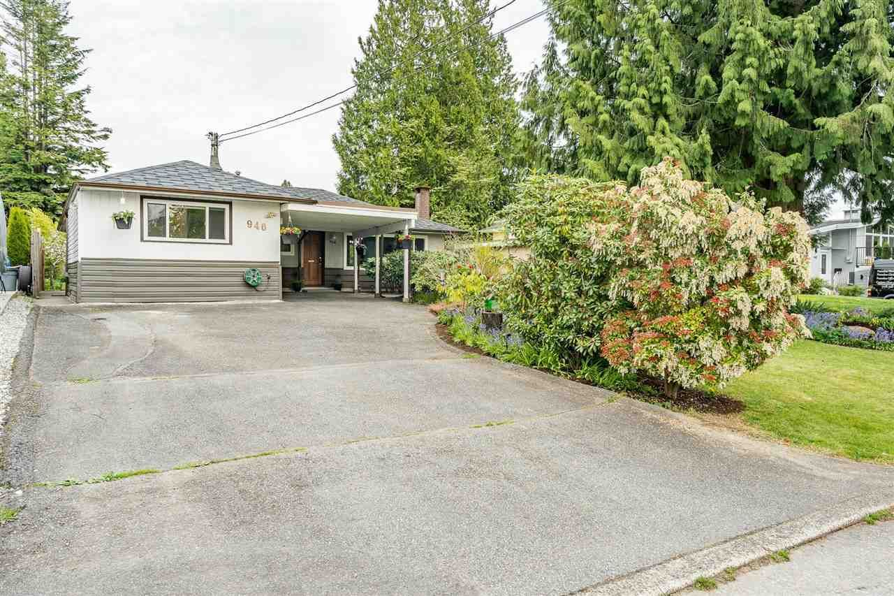 Main Photo: 946 CAITHNESS Crescent in Port Moody: Glenayre House for sale : MLS®# R2580663