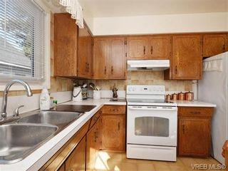 Photo 7: 633 Manchester Rd in VICTORIA: Vi Burnside House for sale (Victoria)  : MLS®# 743952