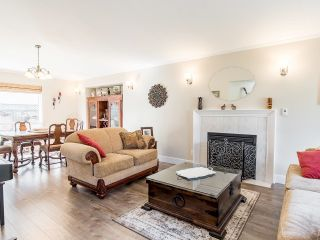"""Photo 6: 20672 93 Avenue in Langley: Walnut Grove House for sale in """"Forest Creek/Greenwood"""" : MLS®# R2622596"""