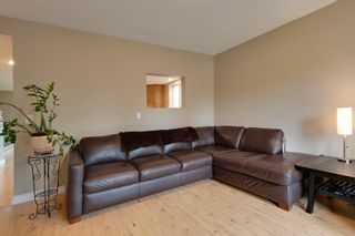 Photo 13: 4022 46 Street SW in Calgary: House for sale : MLS®# C4014489