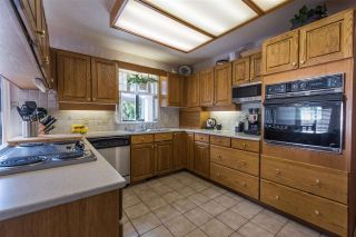 "Photo 10: 5007 PINETREE Crescent in West Vancouver: Upper Caulfeild House for sale in ""Caulfield"" : MLS®# R2208440"